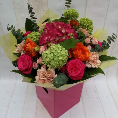 """Clonbreany"" flower bouquet in pink gift box"